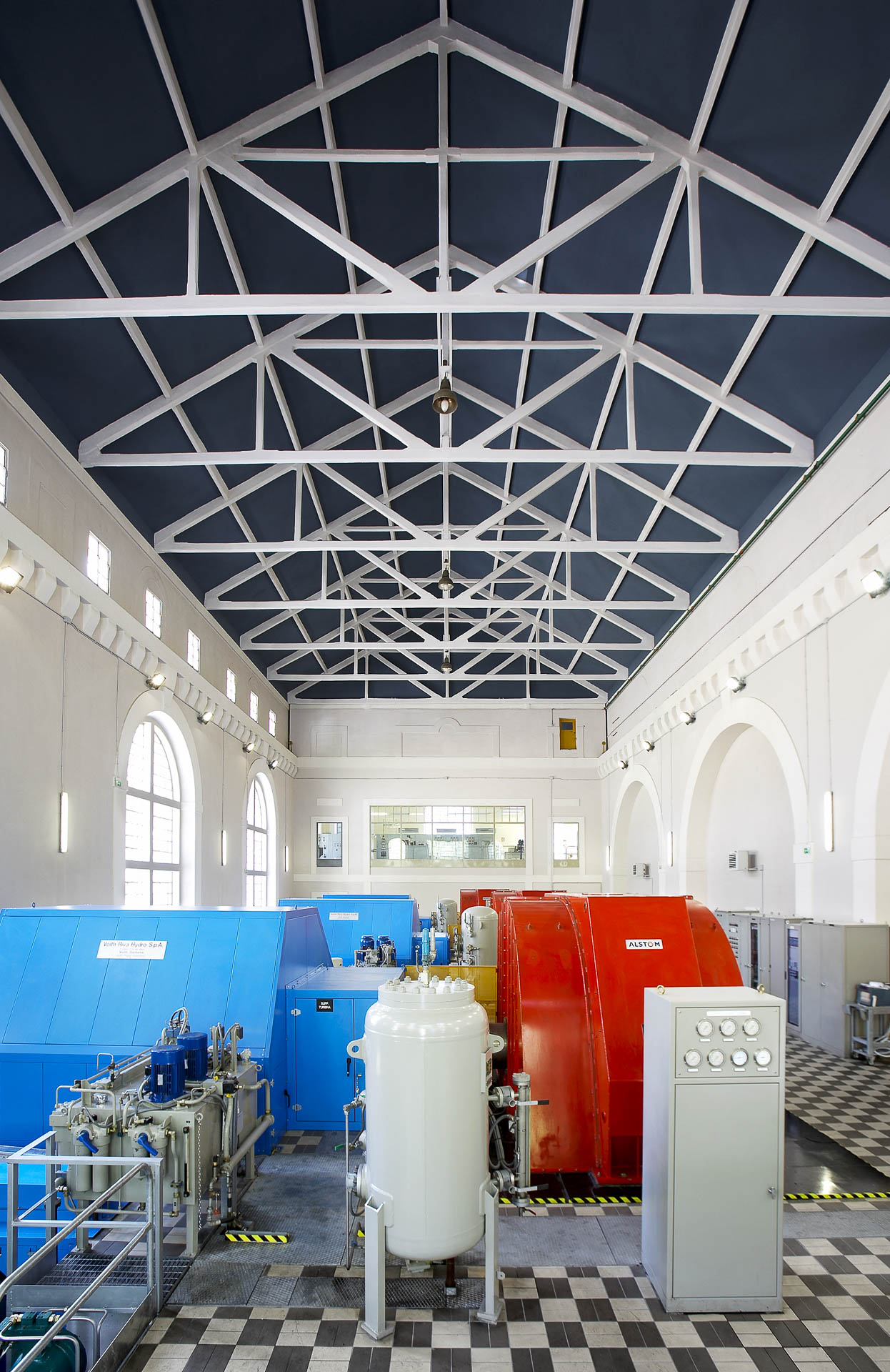 Centrale idroelettrica a valtournenche maen cignana per produrre energia rinnovabile CVA