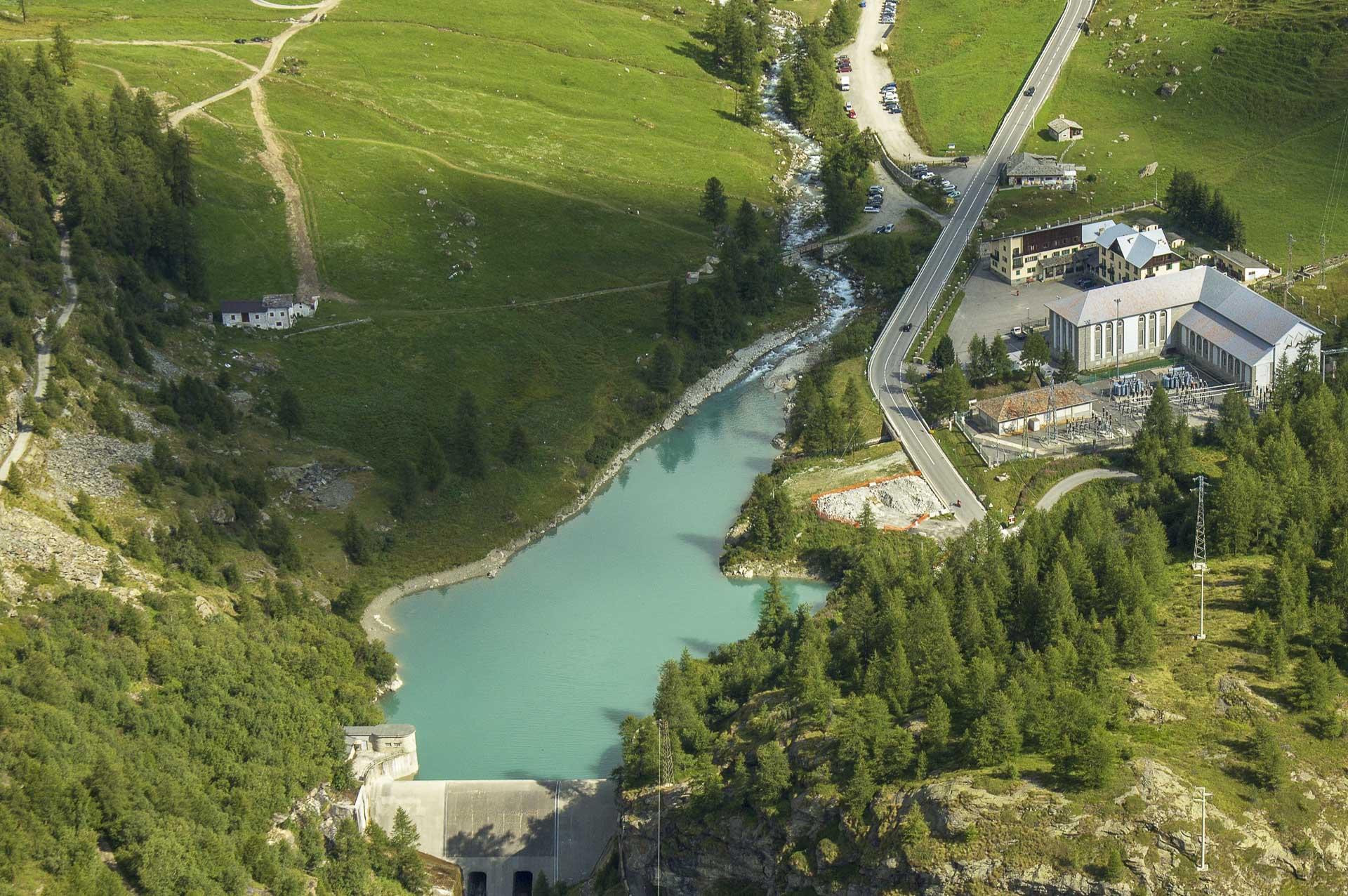 Diga di Perrères acqua per produzione energia idroelettrica rinnovabile al 100%