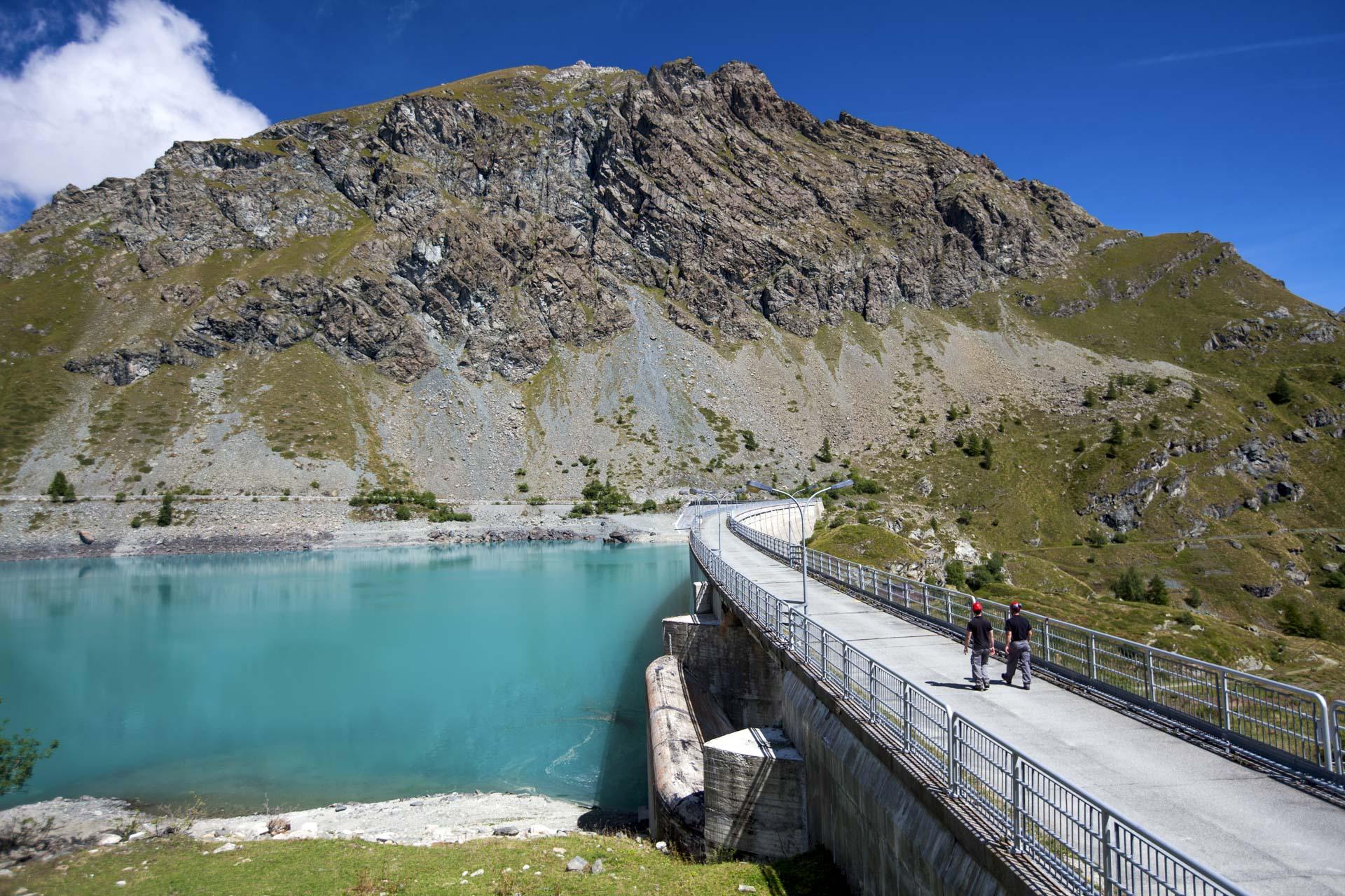 Diga Cignana Impianto energia rinnovabile idroelettrico Gruppo CVA