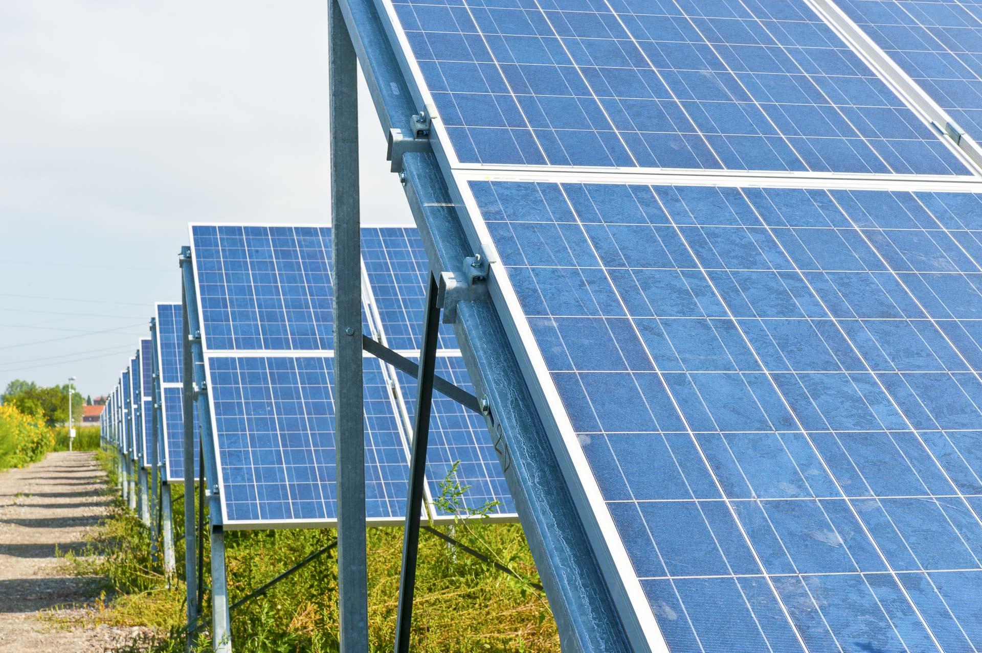 Impianto produzione energia solare fotovoltaica rinnovabile sostenibile CVA Alessandria sud