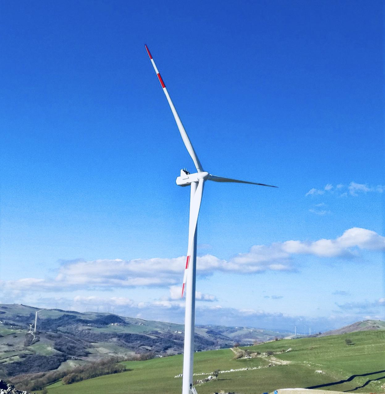 Centro produzione energia verde rinnovabile eolica di Monteverde CVA