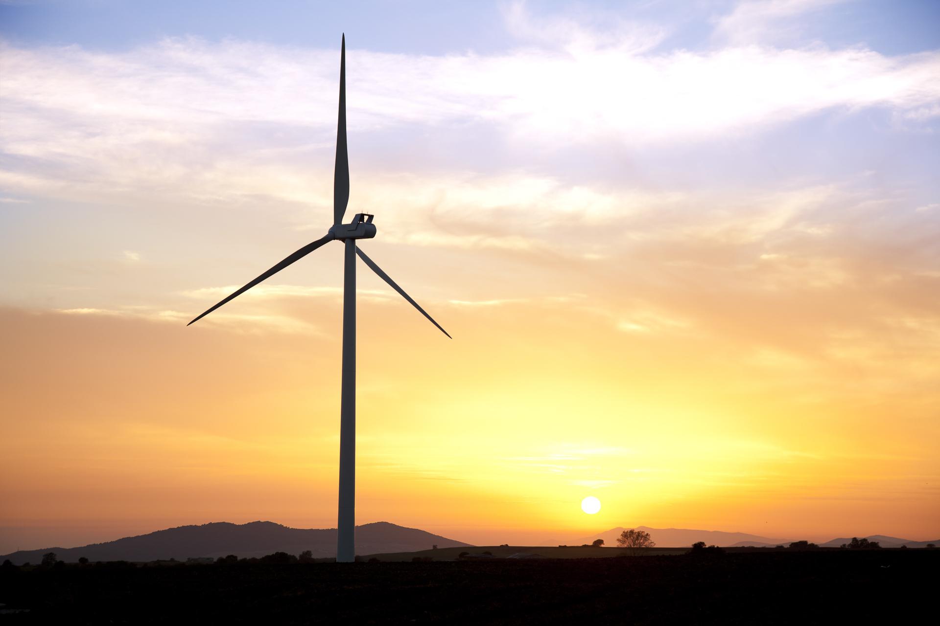 Impianto produzione energie elettrica eolica rinnovabile Tarifa